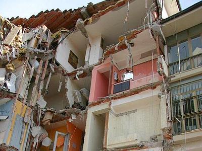 crollo terremoto laquila