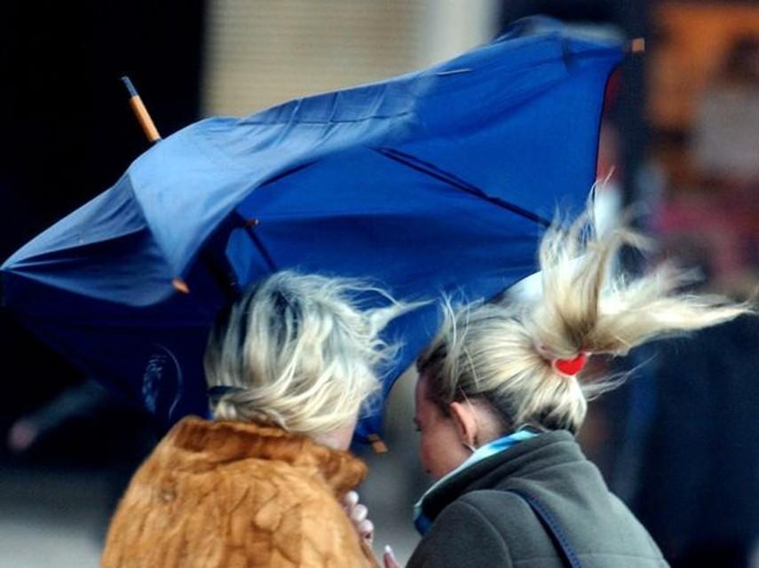 Chieti: Smart nel burrone, spinta dal vento