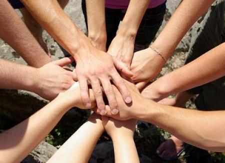 volontariato - sociale - mani 2