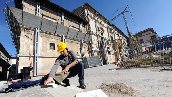Ricostruzione, tanti cantieri in centro storico nel 2016