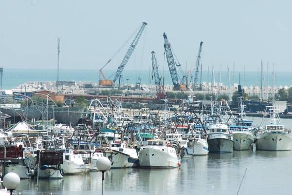 Porto di Pescara, per l'H2O 'prima fanno poi dicono'