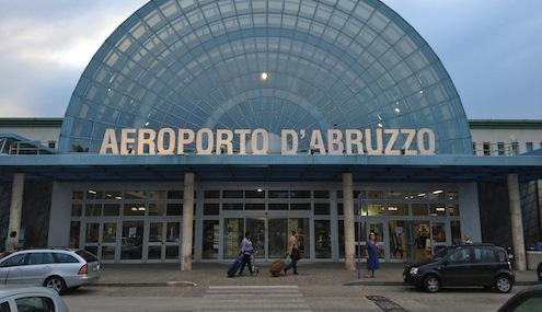 """Urbini : """" Diciotto posti di lavoro a rischio all'aeroporto d'Abruzzo """""""