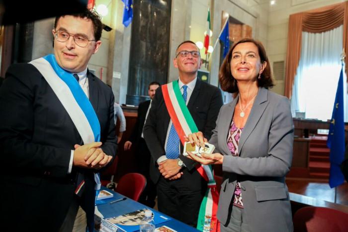 Pescara : delfino d'oro alla Boldrini