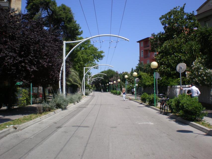 Strada Parco: centrodestra raccoglie firme per parcheggi