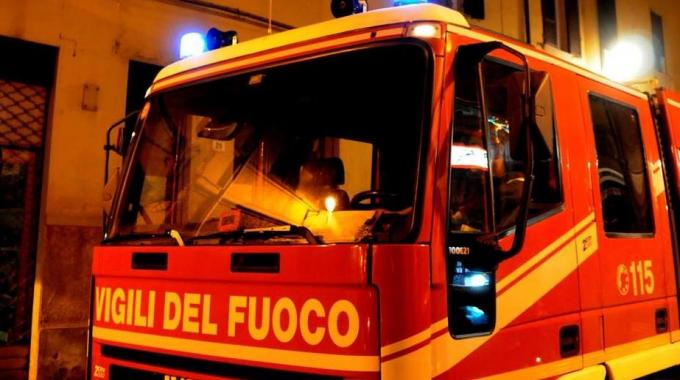 Auto a fuoco ad Avezzano, pista dolosa