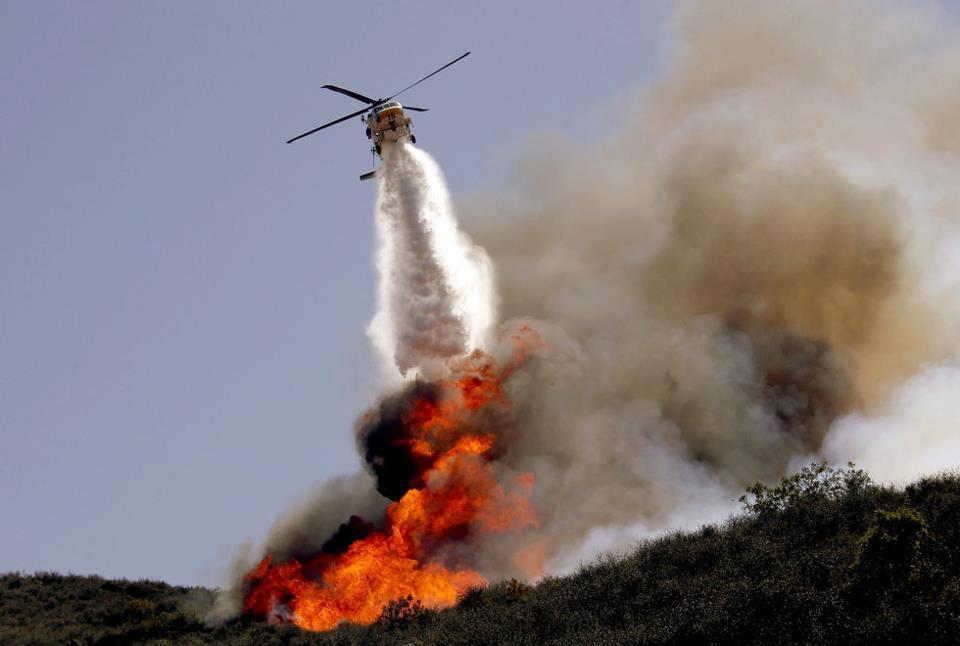 Incendi: si allarga il fronte del fuoco nel termano
