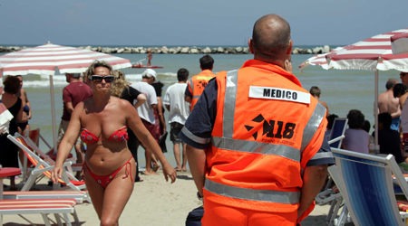 Turista muore in spiaggia a Villarosa