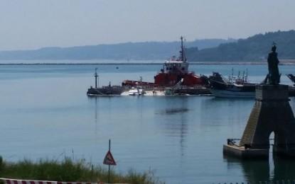 Peschereccio affonda a Ortona in porto