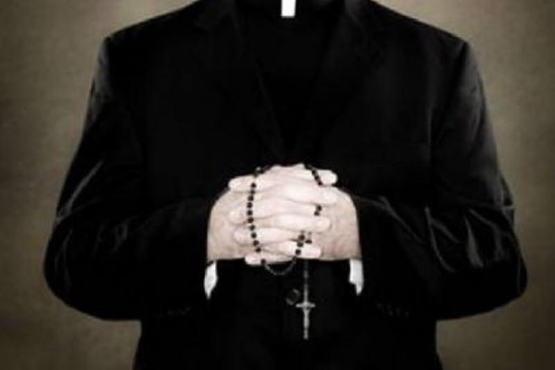 Spoltore: Ex parroco, presunti abusi su minore