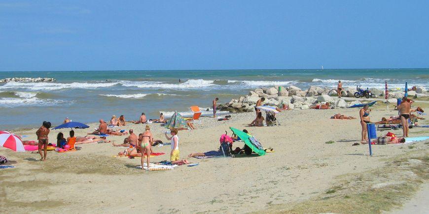Abruzzo: zero spiagge con le 5 vele di Legambiente