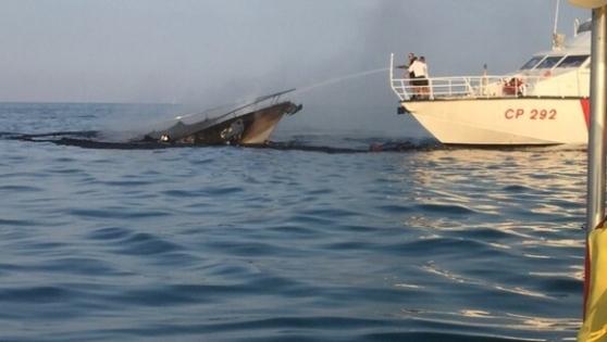 Yacht affondato a Tortoreto, si spezza nel recupero