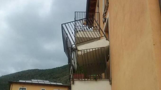 Crollo balconi L'Aquila: interrogazione dell'Idv