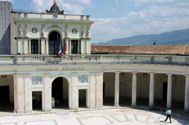 Abruzzo: riordino provincie, ok dalla Commissione