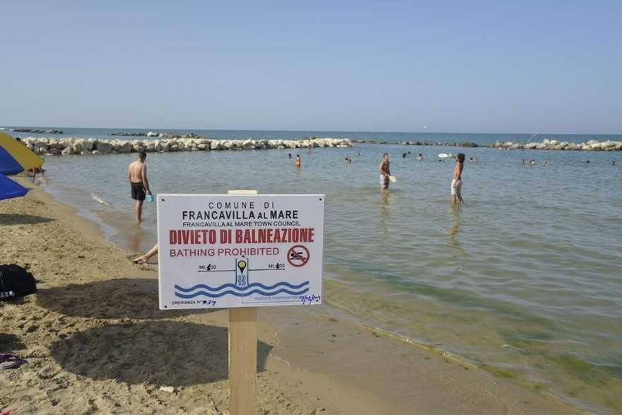 """Pescara, liquami in mare. Fi: """"Alessandrini si dimetta"""""""