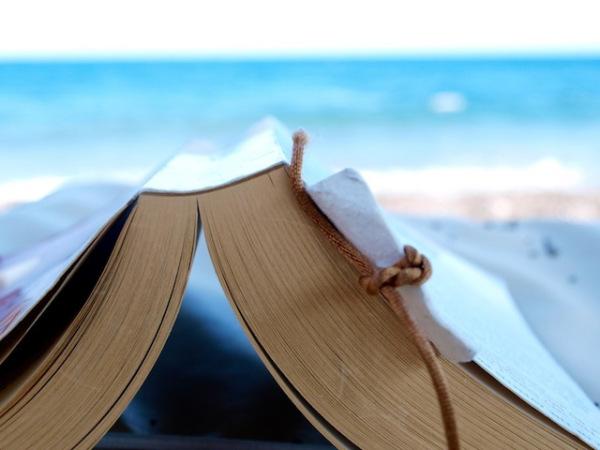 Pescara: 700 giovani col Vangelo in spiaggia
