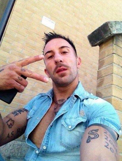 Fidanzato Pezzopane insulta contestatori violenti