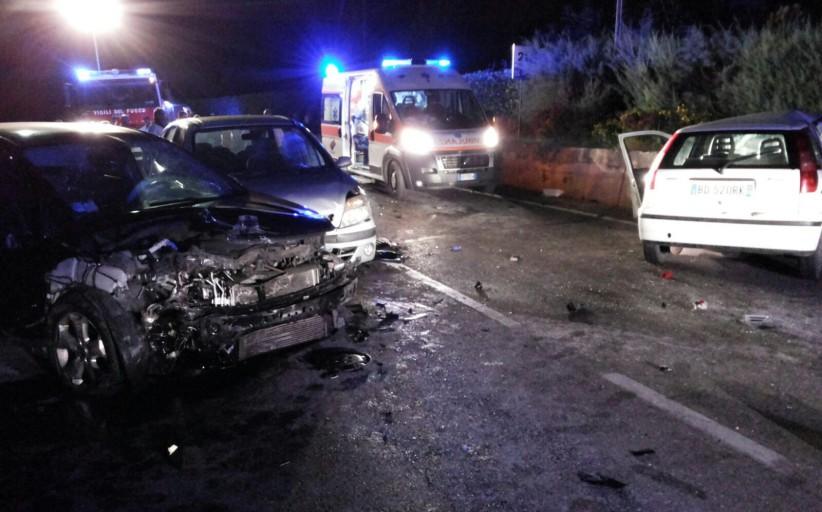Castelnuovo al Vomano- Carambola di auto con sei feriti