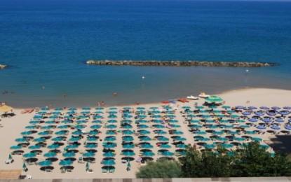 """Montesilvano, Maragno: """"Il mare è pulito"""""""