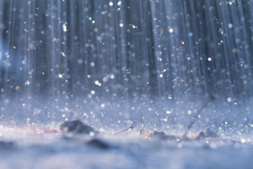Abruzzo, cadono più fulmini che gocce di pioggia?