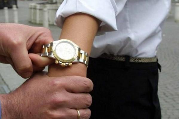 Rolex scippato a Martinsicuro