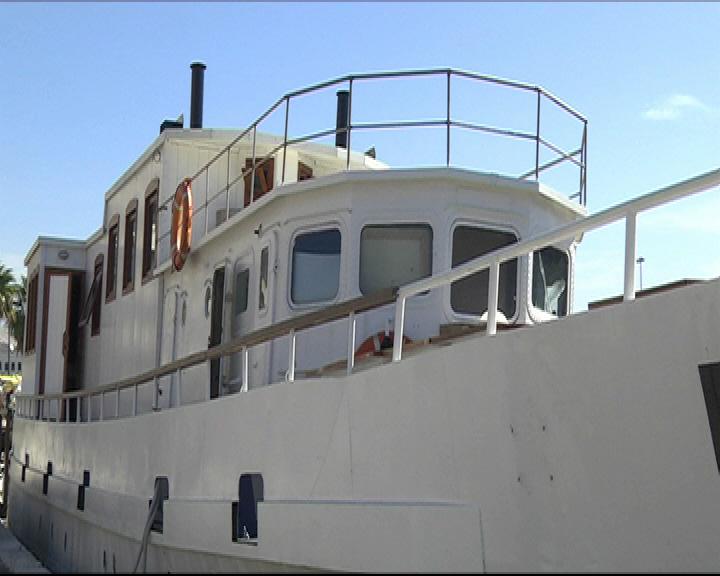 barca-galleggiante