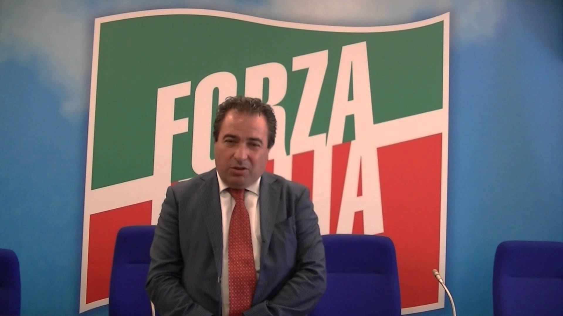 "Regione, Di Stefano ""Incarichi illegittimi"" a Tua e Saga. D'Alfonso replica"
