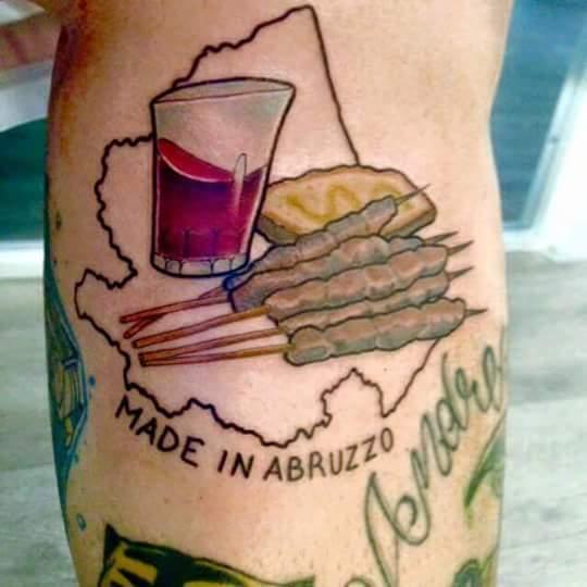L'arrosticino tatuaggio diventa virale