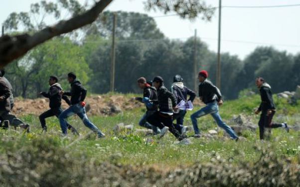 Roccaraso, migranti in fuga dall'albergo