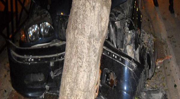 Pescasseroli: auto contro albero muore un giovane