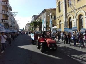 """Lanciano, carro anti trivelle apre sfilata del """"Dono"""""""