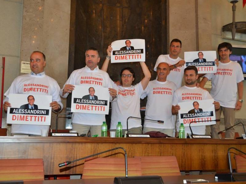Mare inquinato a Pescara, il giorno del Consiglio. 4 indagati