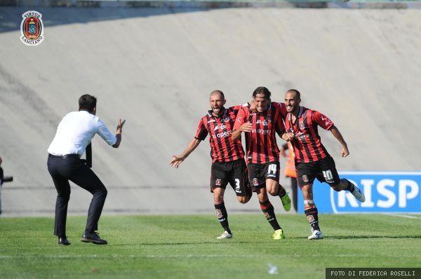 Il Lanciano batte 2-0 l'Ascoli nella prima in casa
