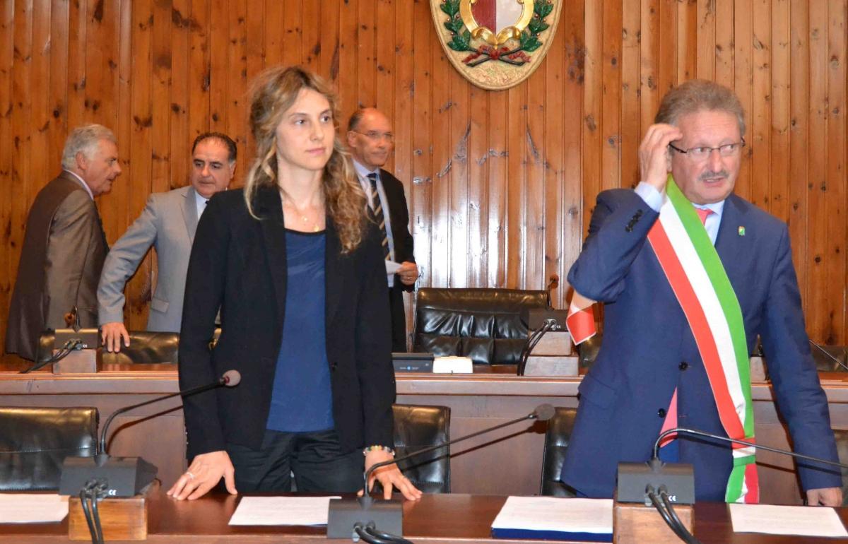 Disertano l'incontro col ministro Madia, ieri a Vasto, per polemica