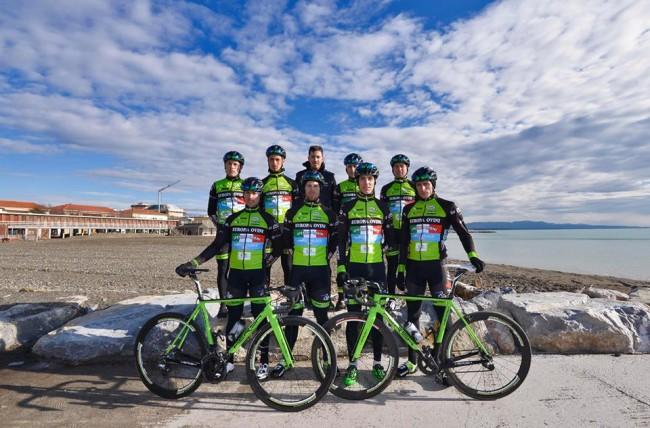 Ciclismo GM Cycling – Firma un azzurro