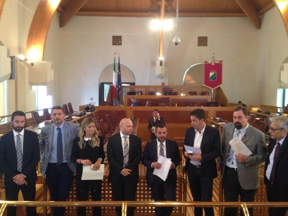 """Legge """"bavaglio"""" Abruzzo: M5S diserta incontro  capigruppo"""