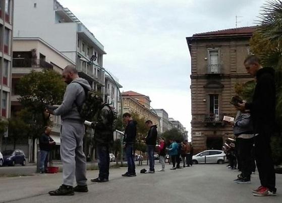 """Pescara: """"Li(be)ri in piedi"""" contro l'abusivismo"""