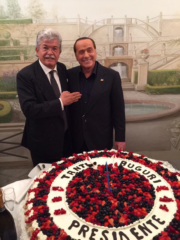 Anche Razzi al compleanno di Berlusconi