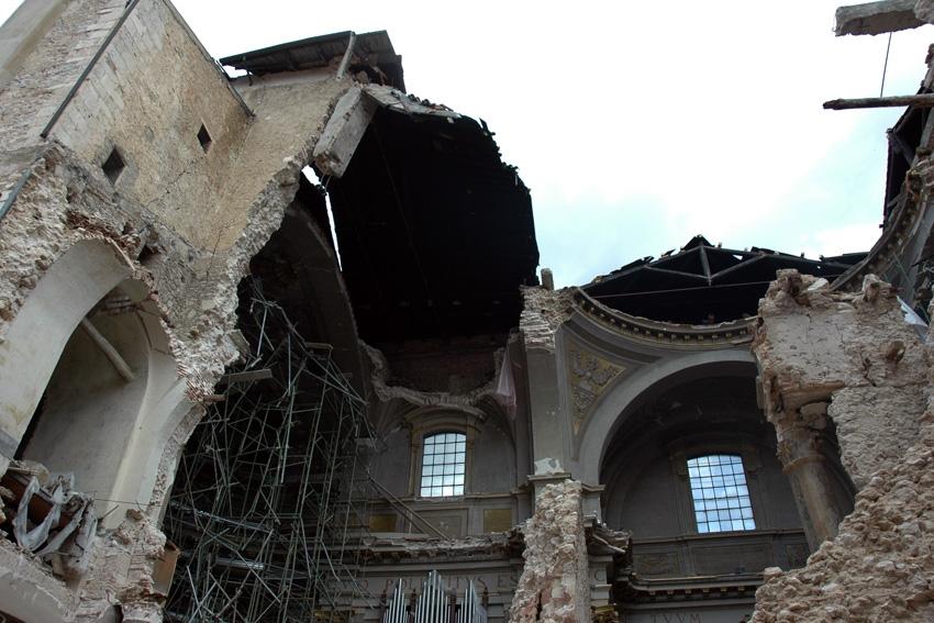 Duomo dell'Aquila: ancora due anni per il recupero