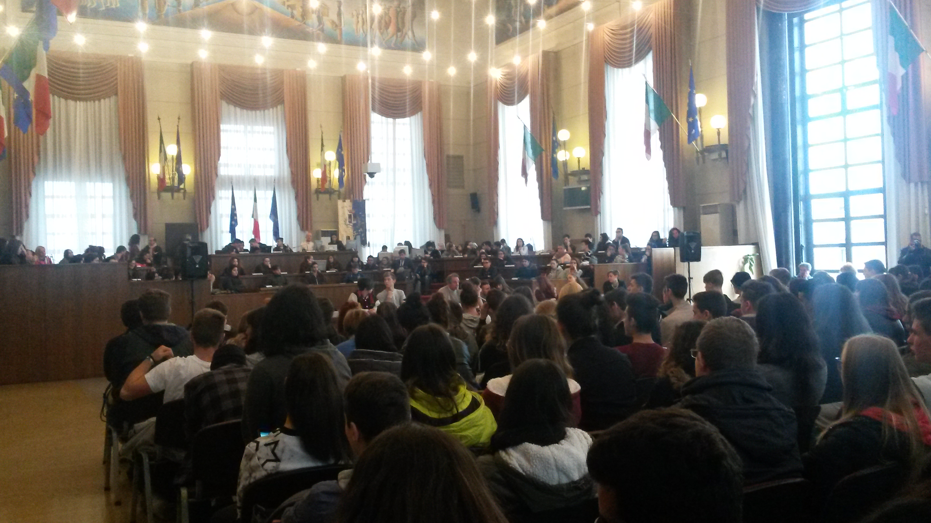 Pescara: Alberghiero, a lezione in Comune con D'Alfonso