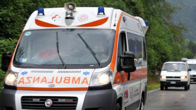 Vasto: frontale tra due auto, in due finiscono all'ospedale