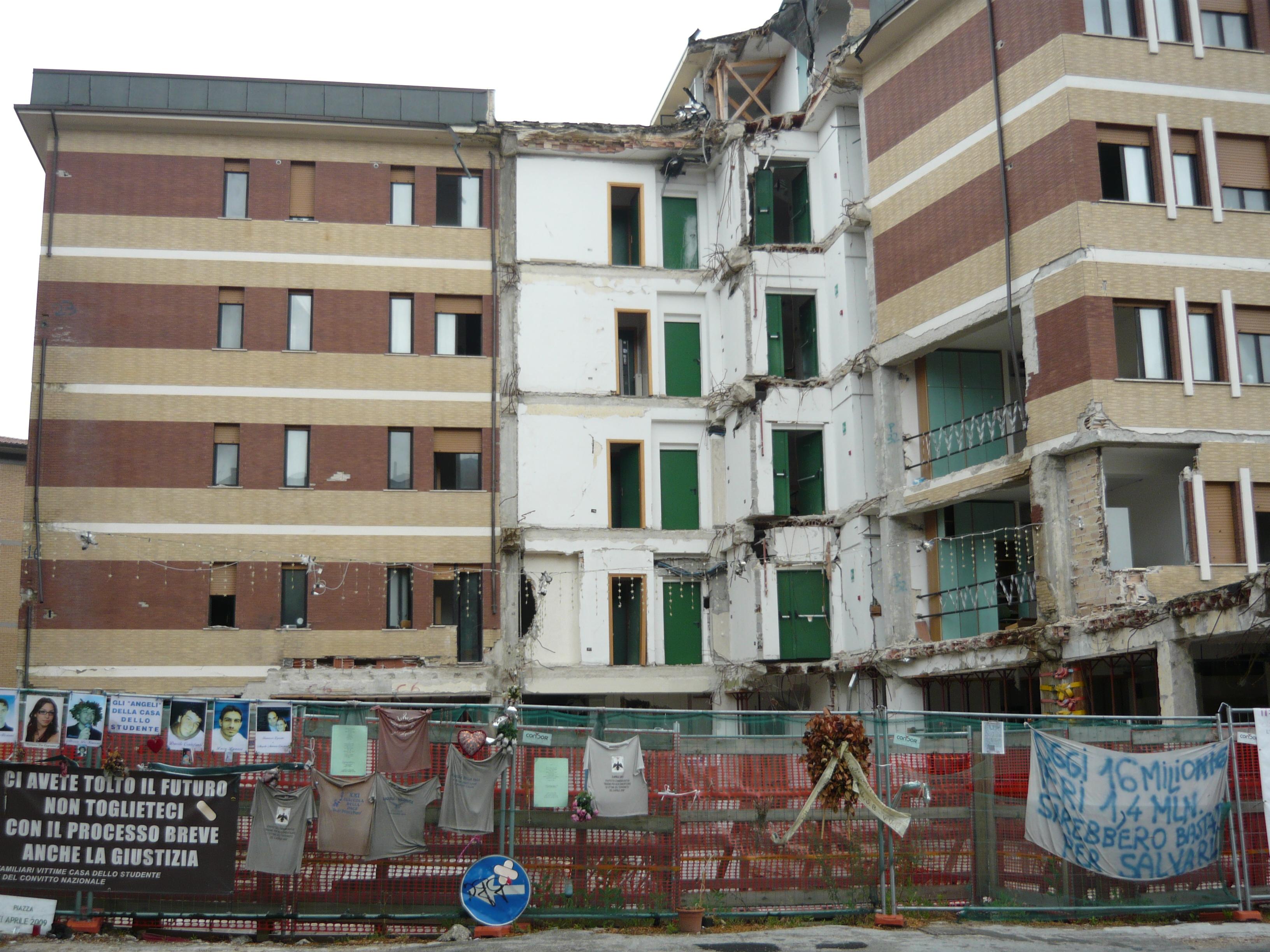 Crollo casa studente Aq: 6 milioni di risarcimento
