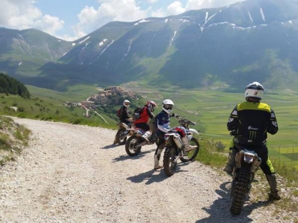 Gran Sasso: giovane cade da moto enduro a Isola