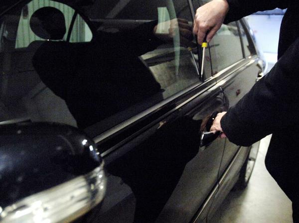Furti su auto in sosta ad Ortona: Arrestati tre pugliesi