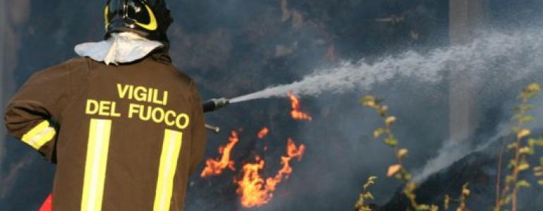 Incendio ad Atri: 3 persone messe in salvo