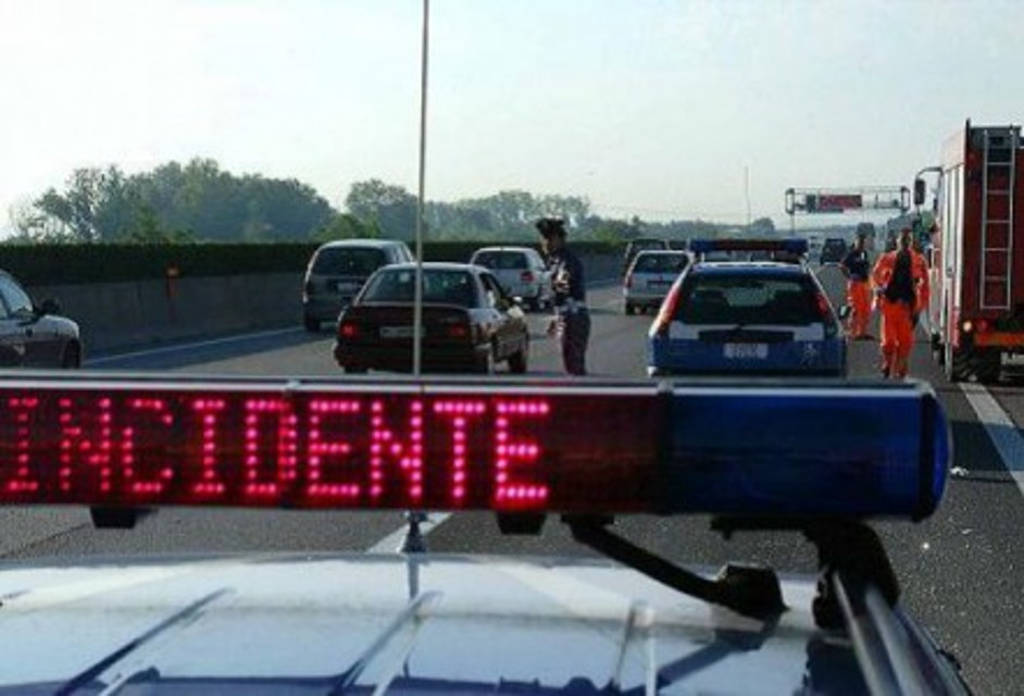 Asse attrezzato in tilt per un incidente