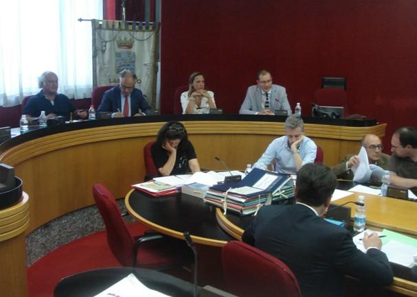 Lanciano, impianto rifiuti: no unanime in Consiglio