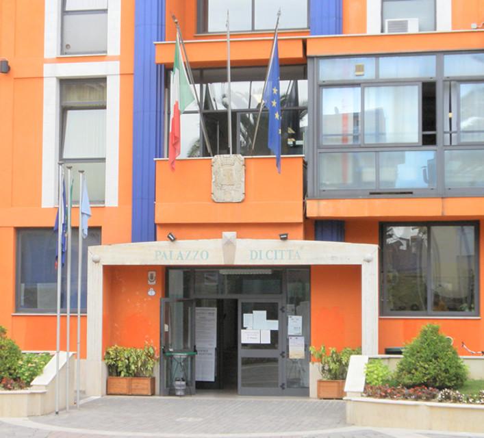 Scuola Via Verrotti Montesilvano, rescisso il contratto