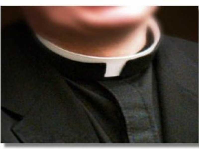 laquila-prete-ricattato-studente-a-processo