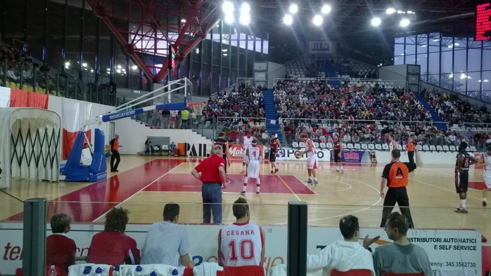 Basket LegaDue-La Proger strappa applausi