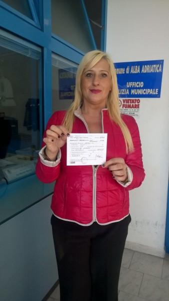 Alba Adriatica, sindaco multato dà il buon esempio